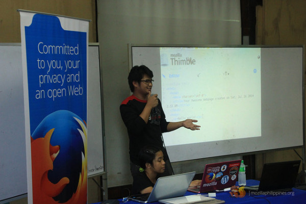 I'm giving a demo about Webmaker tools.
